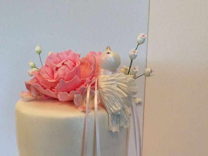 Tmx 1520200574 Ab213f62c8a51ed2 1520200570 805eeb2c1fef5ea6 1520200549567 4 35BB6933 45CC 482C Schenectady, New York wedding cake