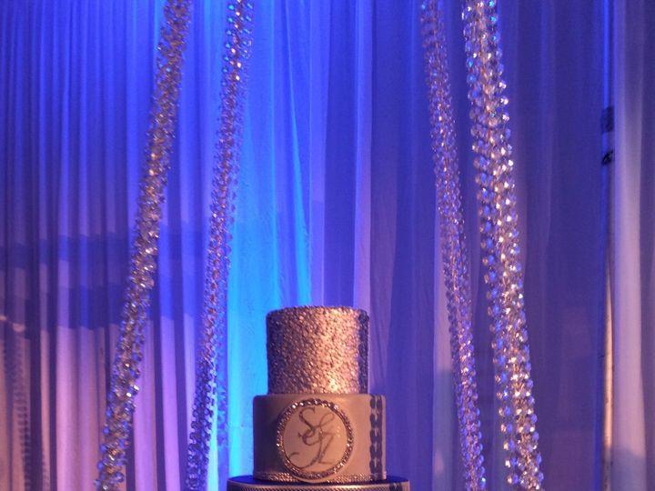 Tmx 1520200575 Ed1592fbacb0de1c 1520200571 6bf2b9738873d5aa 1520200549604 8 A3B43598 2D9E 40FA Schenectady, New York wedding cake