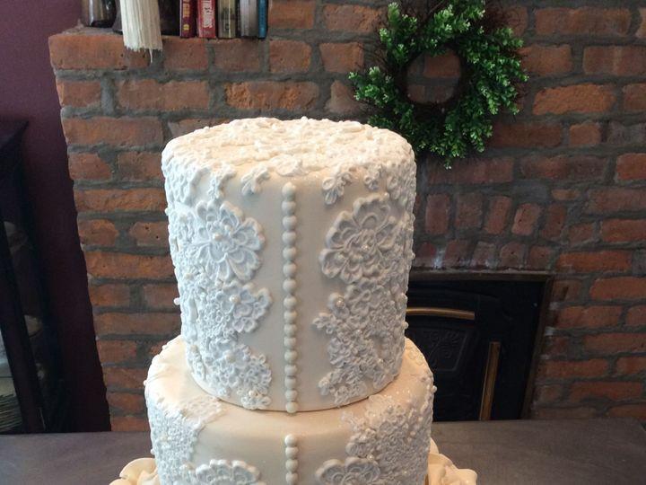 Tmx 1520200577 6d2a216b8b25379a 1520200575 2335b399444ad630 1520200549611 11 EFA7CEDA 9725 43E Schenectady, New York wedding cake