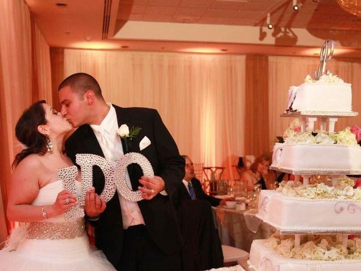 Tmx 1535753097 01a927b3be8c86eb 1535753096 643d6af015c034f6 1535753095880 7 Wedding Cake Burlingame, CA wedding venue