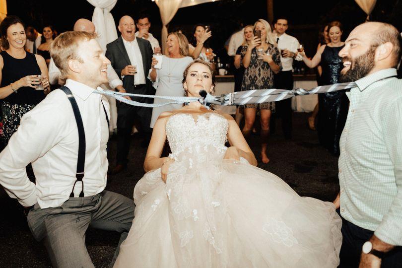 Bride can Limbo!