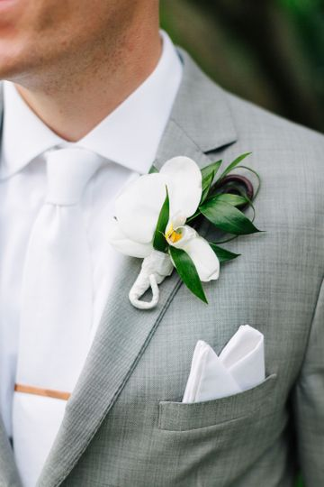 Groom's suit detail - Generation Tux