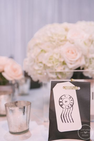 Classic Centerpieces. Photo by Rachel Wallace Photography.