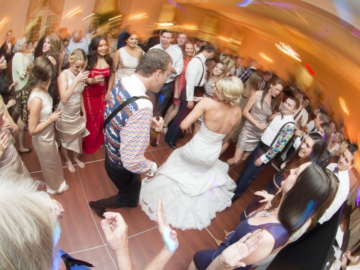 Tmx 1539033429 91ea31799e60489a 1539033425 0c7e642a9dcdc0b9 1539033404909 26 700 Roach 10 11 1 Holyoke, MA wedding photography