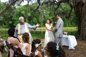 Catholic Weddings Out of the Pews
