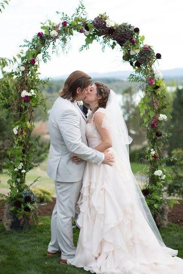 8b59855b353a Charlotte's Weddings & More Couple portrait Couple portrait Couple kiss