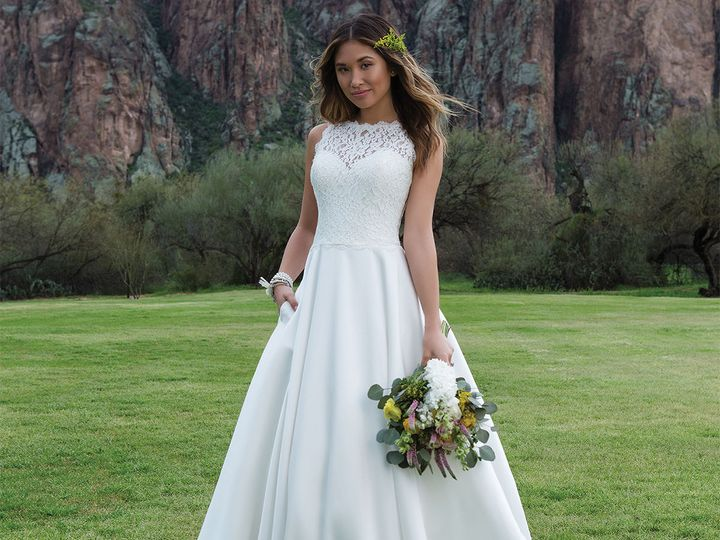 Tmx 1521229962 128adaffebbbfe47 1521229959 26b5134d648d96ca 1521229942414 7 SWH 1136 0067 Portland, OR wedding dress
