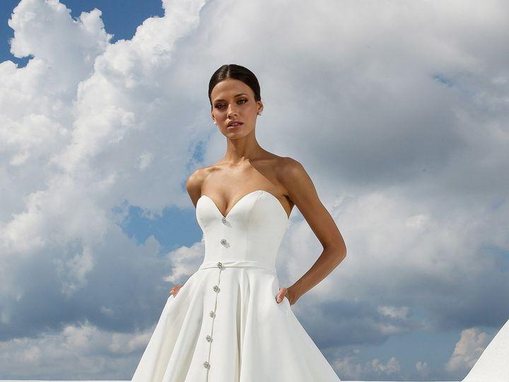 Tmx 1535407117 03b9712240491fc3 1535407113 D7d79c30a0b9bd4f 1535407088615 31 88025 FF Portland, OR wedding dress
