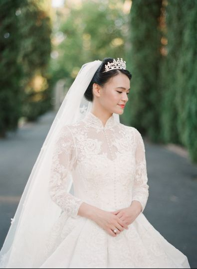 Beautiful Bride, Christine