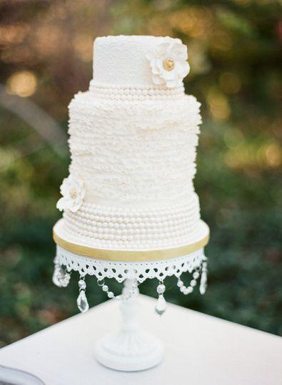 Fondant ruffles and pearls wedding cake