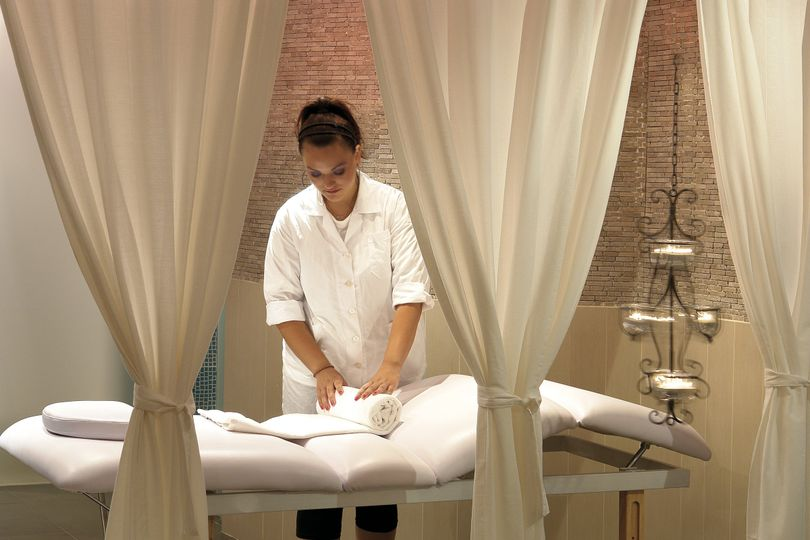 Santorini Zen Spa therapist