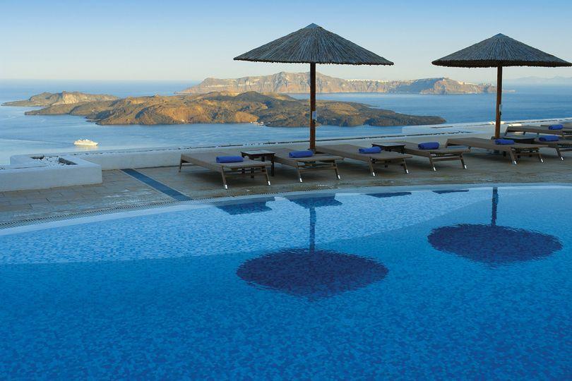 Lilium Villa pool area