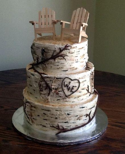 Tree bark inspired cake