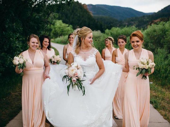 Tmx 1538004678 8f447ba8b645ce72 40498224 2177470585660939 2487322982540640256 N Larkspur, CO wedding florist