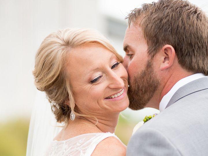 Tmx 1515356060 15de1451249e3160 1515356056 2b06e76b55d6a4bc 1515356053461 11 Kristiekyleweddin Nottingham, Pennsylvania wedding beauty