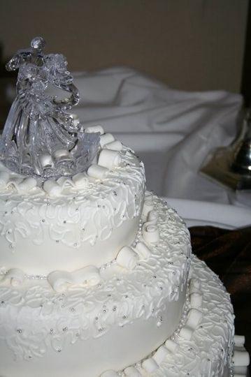 bobby jennys wedding cake