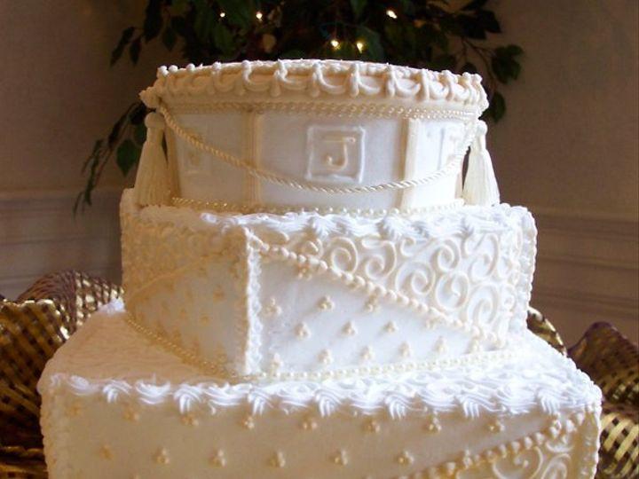 Tmx 1212411429294 100 1192 Templeton wedding cake