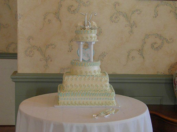 Bring your own wedding cake or ask us about vendors in the area.