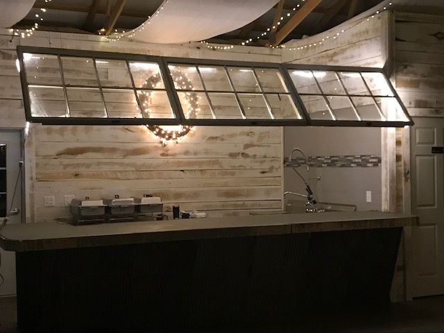 Night picture of bar