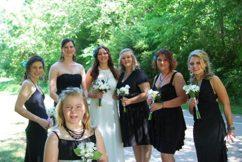 Arlington Bride Julie with her bridal party