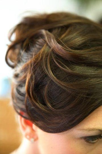 Curled hairdo