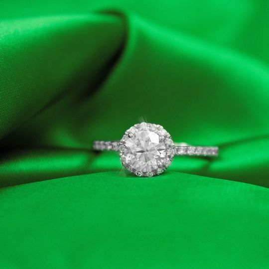 Round diamond design