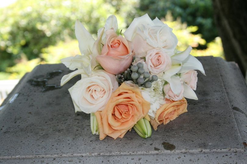 800x800 1350189358089 weddingflowershydrangeasrosesdahlias27