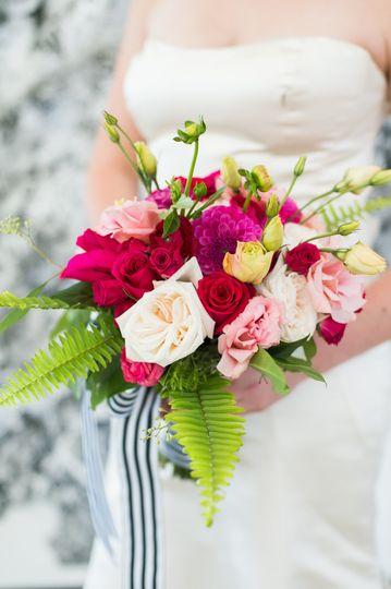 6fbe09128683df69 1516251494 fdf90de4efac813a 1516251488213 14 wedding flowers b