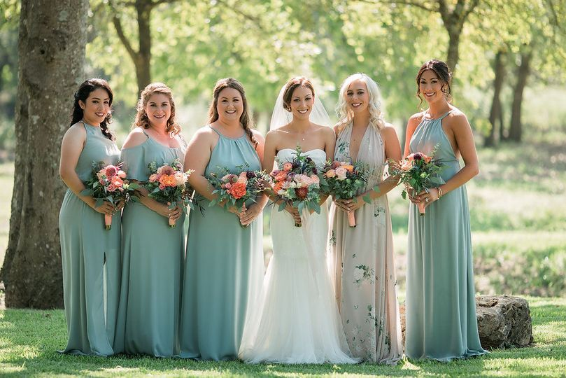 122f6456c965577a 1516251528 008dbe13e80b0e47 1516251488229 23 wedding flowers b