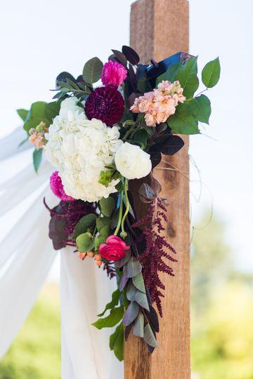 6445b8fd606628f0 1516251537 3afd92197b8e6c55 1516251488261 47 wedding flowers w