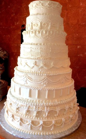 Old World Piped Buttercream Cake