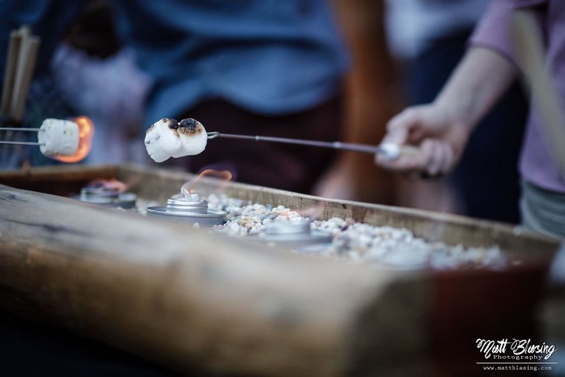 Roasting marshmallows | Matt Blasing Photography