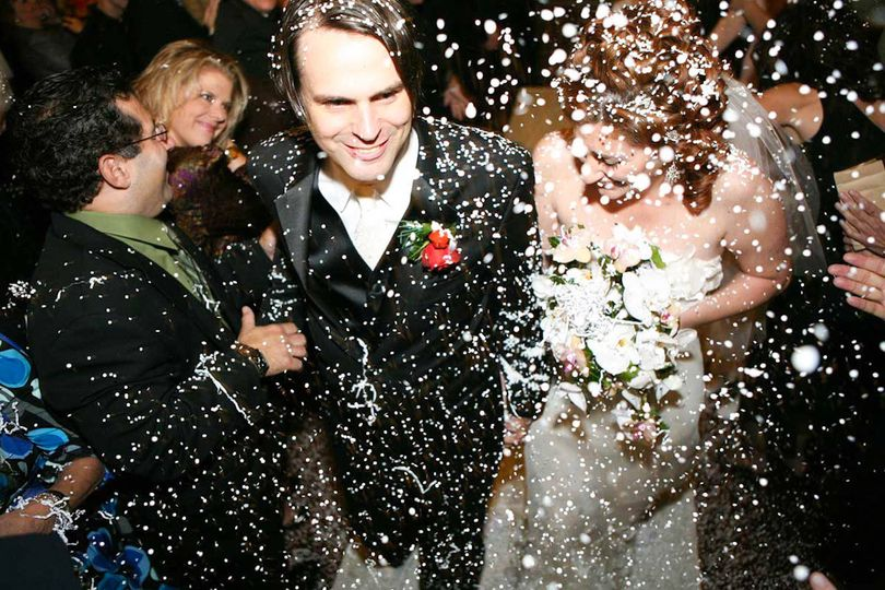 wedding photography chicago confetti b405