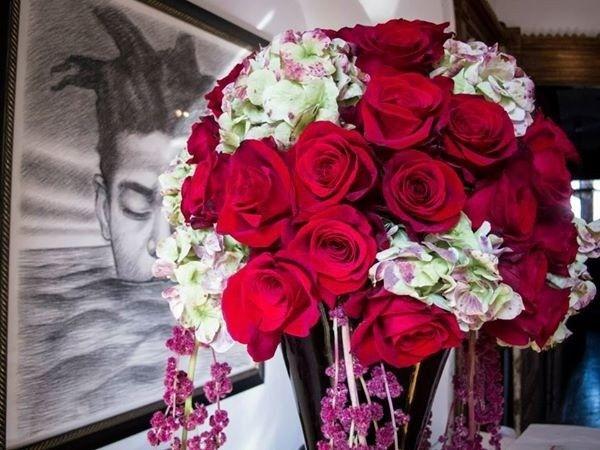 Red rose decor