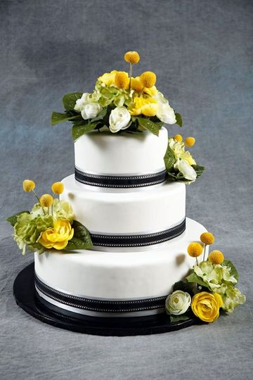 the cake gallery wedding cake omaha ne weddingwire. Black Bedroom Furniture Sets. Home Design Ideas