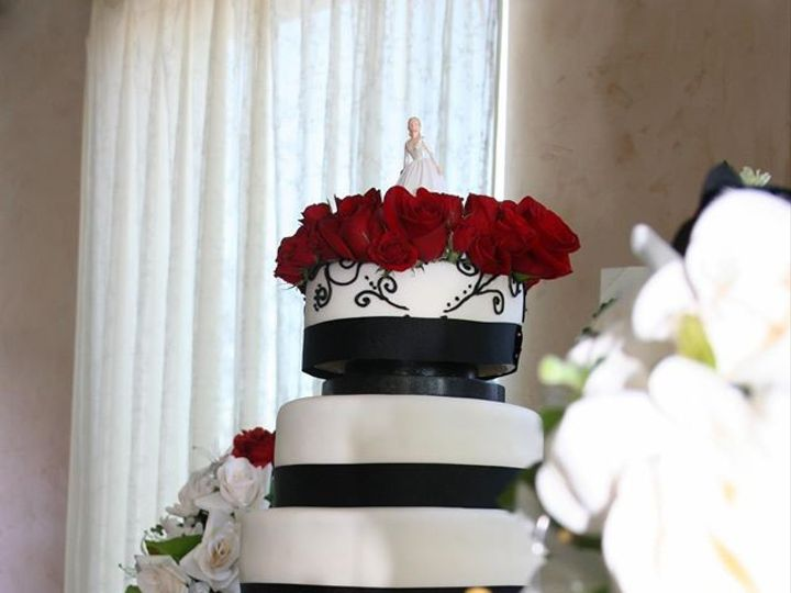 Tmx 1451261247524 Black And White Tower Wells wedding cake