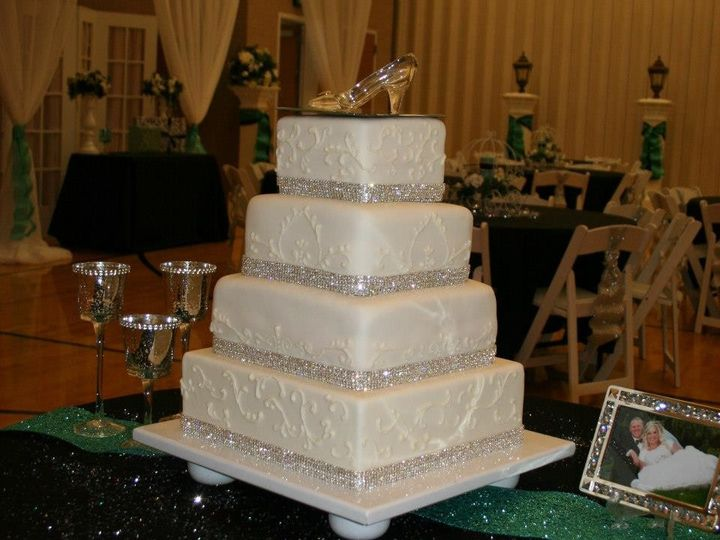 Tmx 1451261320505 Cinderella Wells wedding cake