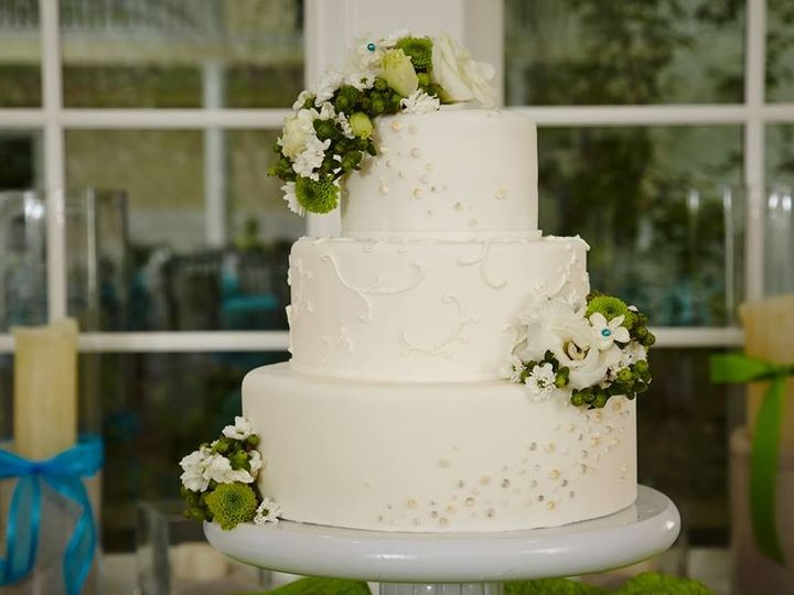 Tmx 1451261483985 Pearls And White   Copy   Copy Wells wedding cake