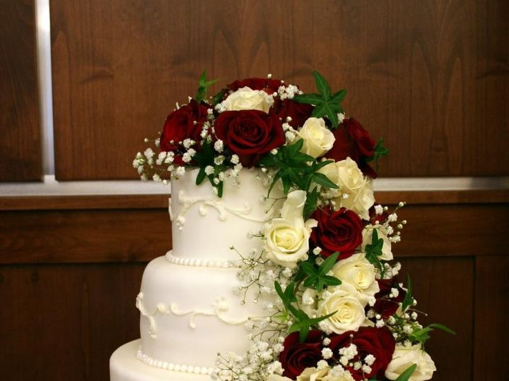 Tmx 1451261525102 Rose Cascade   Copy   Copy Wells wedding cake