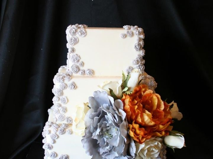 Tmx 1451261561003 Silver Roses   Copy   Copy Wells wedding cake