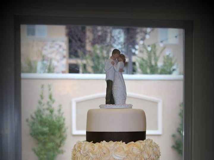 Tmx 1451261714033 Willow Roses   Copy   Copy Wells wedding cake