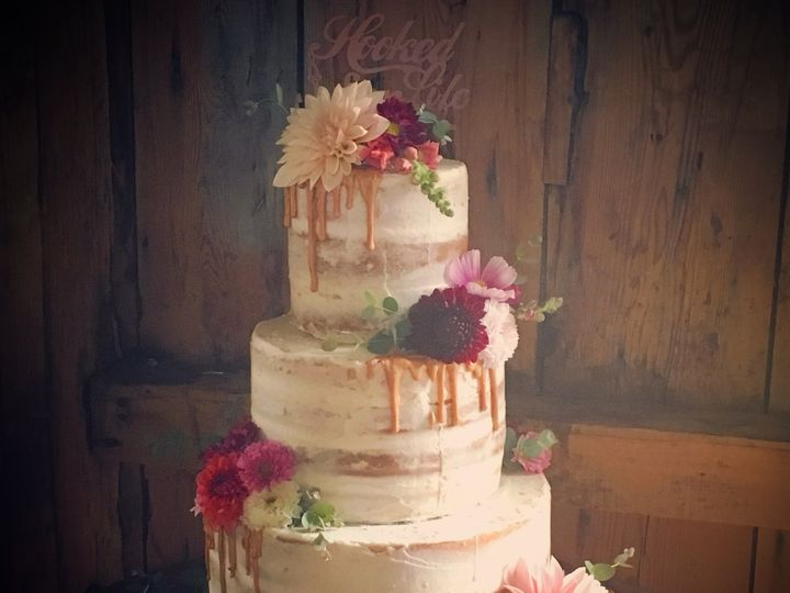 Tmx Barnnaked 51 904866 Wells wedding cake
