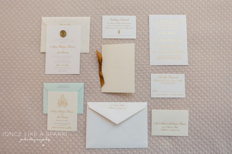 Stationary by paper daisies