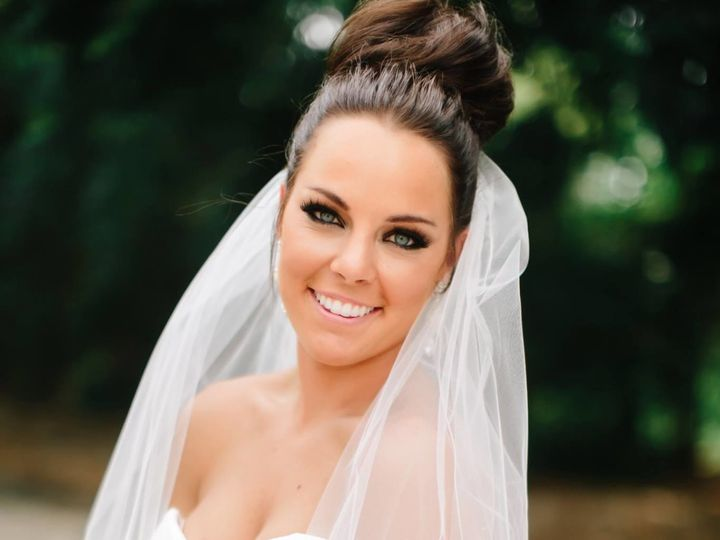 Tmx 1519079174 79f3d146643d60a1 1519079173 C62120262f72a10a 1519079173032 9 12248133 102055331 La Vista, Nebraska wedding beauty