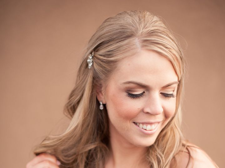 Tmx 1519079192 Ad1850deab1c8039 1519079190 Cce6acb33cfcf9b5 1519079189725 11 Paul And Kelley P La Vista, Nebraska wedding beauty