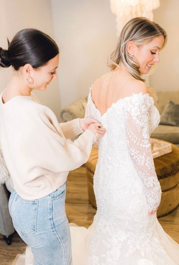 Long-sleeved lace