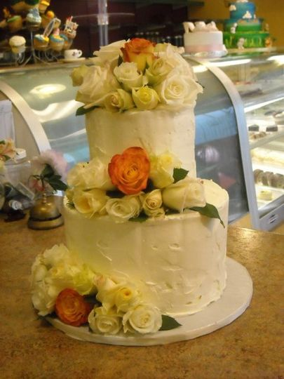 Rustic Style Butter Cream with Real Roses