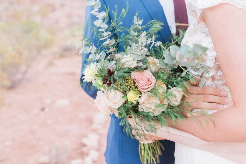 Cultivate Goods Flowers Las Vegas Nv Weddingwire