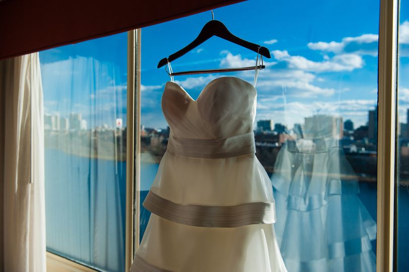 University Suite | Bridal Ready Room | Photo by AMW Studios