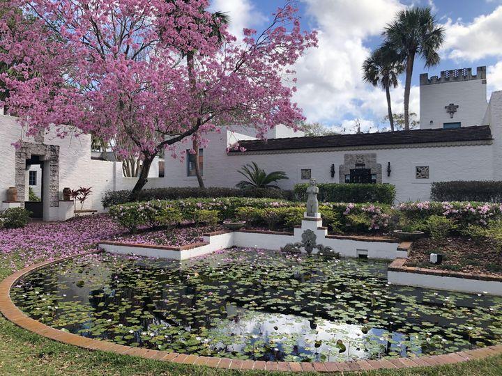 Tmx Main Garden Statue 2 51 42076 Maitland, FL wedding venue